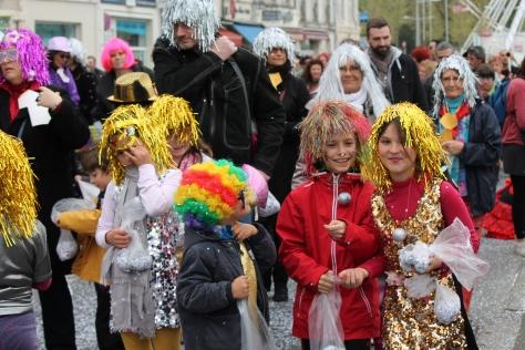 Carnaval de La Rochelle -- More Confetti Girls
