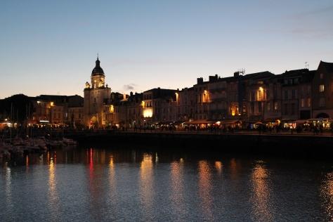 Le vieux port after the sun goes down.