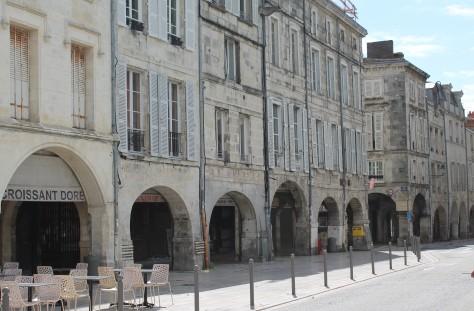 Place de Verdun et rue Fleuriau