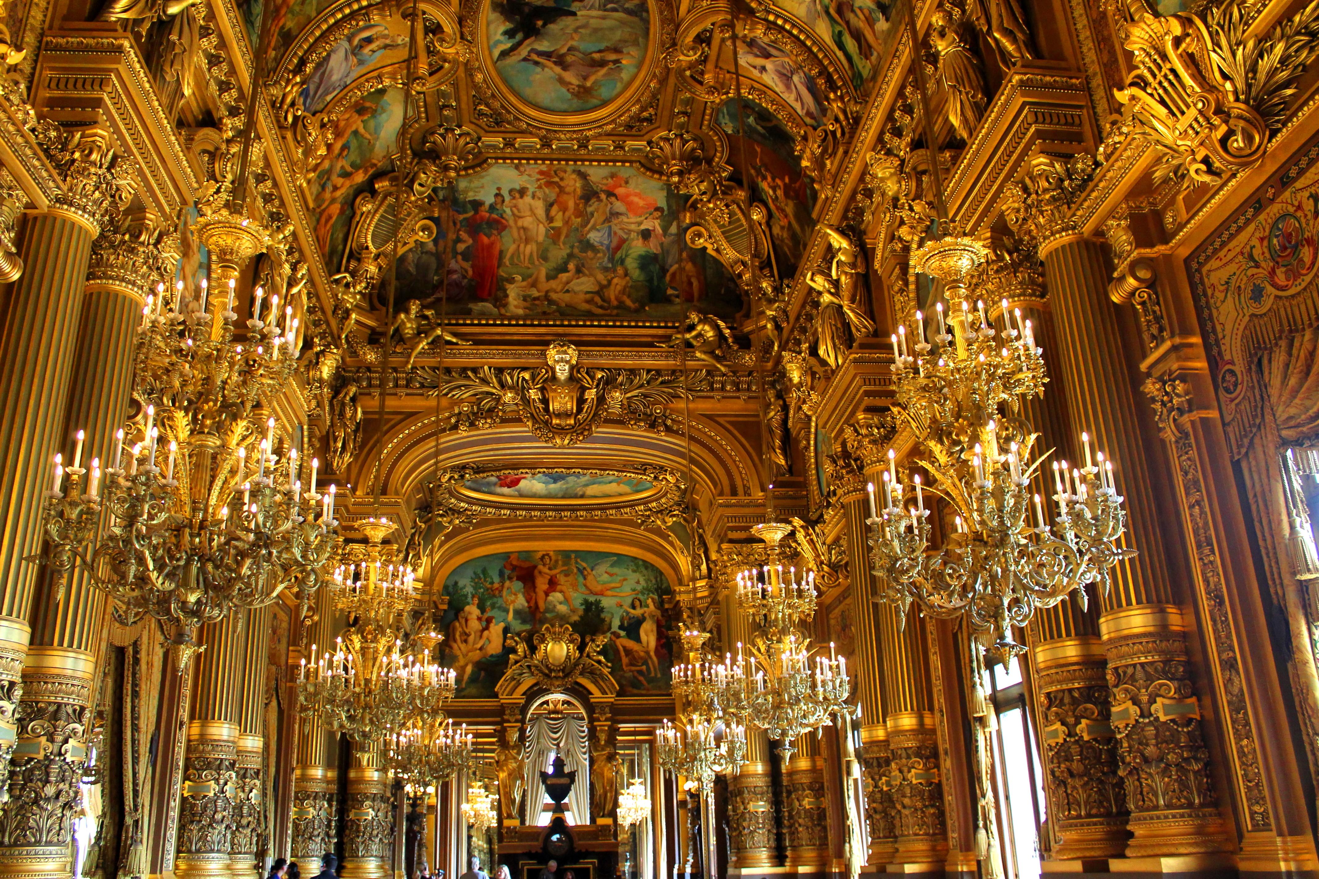 Superficie Grand Foyer Opera Garnier : Palais garnier movable assets