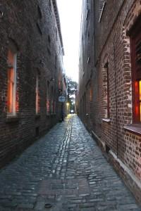 Brick Alley Narrow